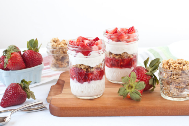 strawberry yogurt and granola parfaits